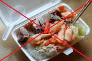 Đồ ăn đựng trong hộp xốp có thể phá hủy gan